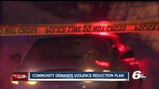 Community group asks Indianapolis police chief to sign on to their violence reduction plan - Video