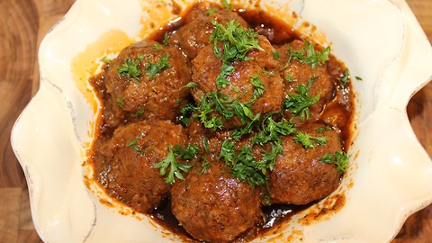 How to make delicious homemade meatballs