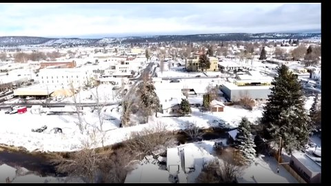 Drone Footage Shows Californian Town Covered in Snow