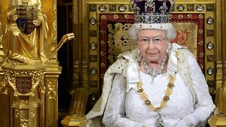 Queen Approves Proposed Law That Would Allow Brexit To Happen - Video