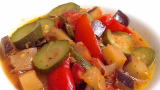 How to quickly make ratatouille - Video