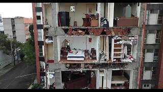 Drone footage shows Mexico tower block with entire front wall missing - Video