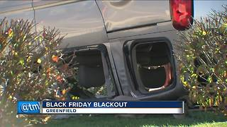 Power outage at Greenfield Best Buy during Black Friday - Video