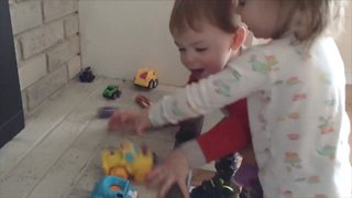 Funny Tots Learn How To Count - Video