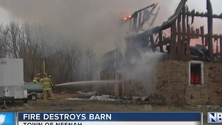 Fire destroys barn - Video