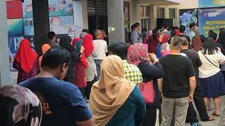 High Turnout Reported for Malaysia's Highly Contested Elections - Video