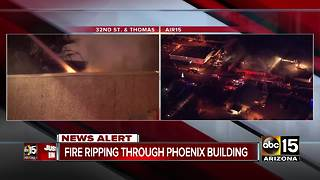 Fire breaks out at Phoenix commercial building - Video