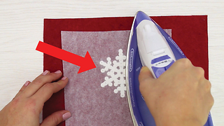 Plastic snowflakes with iron - Video