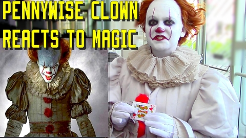 PENNYWISE THE CLOWN REACTS TO MAGIC! IT @ Comic Con