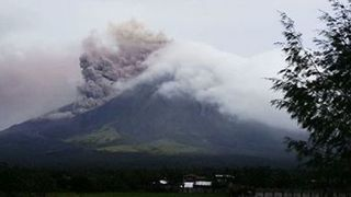 Mayon Volcano Continues to Spew Steam and Ash Above Legazpi City - Video