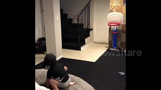 Two-year-old baller sinks every basket - Video