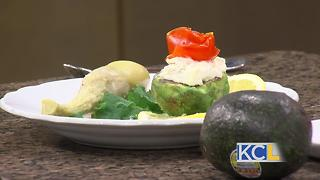 : RECIPE: Avocado stuffed with crab - Video