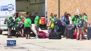 Volunteers arrive to help repair local homes - Video