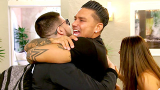 The 'Jersey Shore' Cast is CRAZIER Than Ever in New Family Vacation Trailer - Video