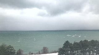 Timelapse Shows Lake-Effect Snow Band Rolling Off Lake Ontario - Video