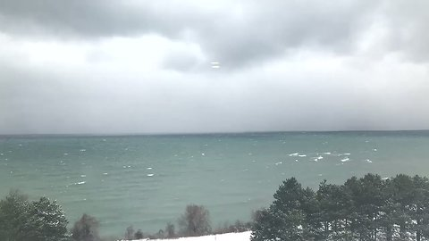 Timelapse Shows Lake-Effect Snow Band Rolling Off Lake Ontario