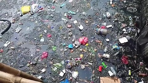 Filipino residents furious as plastic pollution swamps city's river few days after cleanup