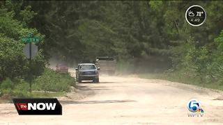 Loxahatchee residents claim there is only one way out - Video