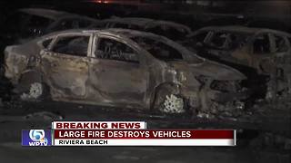 Large fires destroys vehicles - Video