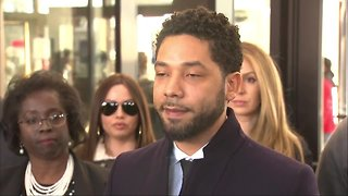 Jussie Smollett addresses reporters after charges dropped