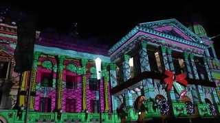 Melbourne's Spectacular Light Display Delights Crowds - Video