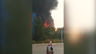 Major fire breaks out in chemical factory in China killing one - Video