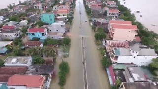 Deadly Flooding Hits Central Vietnam - Video