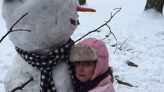 Sweet Girl Won't Leave Frosty - Video