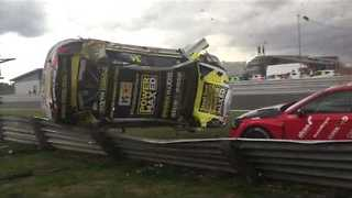Cameraman Injured Following Dramatic Crash at Snetterton Race Circuit - Video