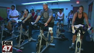 Study finds texting while exercising causes instability - Video