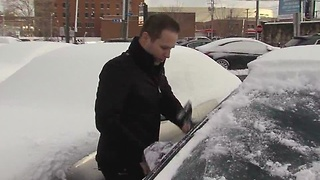 Neighbors help neighbors during winter weather - Video