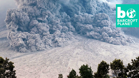 Gigantic Volcanic Cloud Charges Down Mount Sinabung