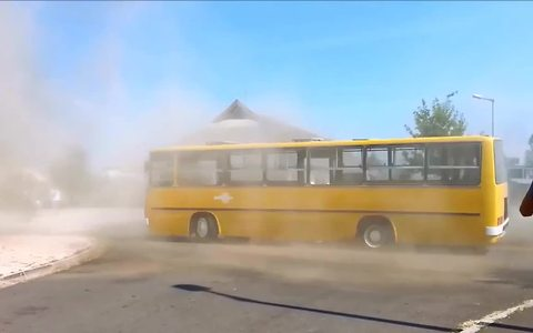 Driver pulls off epic drifts in 40-year-old bus!
