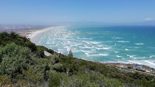 SOUTH AFRICA - Cape Town - Beach Life (Video) (pX5)