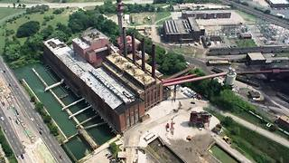 Lake Shore Power Plant demolition begins in Cleveland - Video