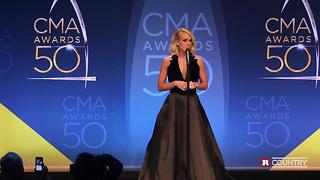 Carrie Underwood talks about her all-female band | Rare Country - Video