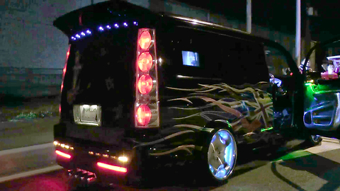 Pimped-up Vans: Japanese Auto Enthusiasts Customise Rides With Crystals And Cool LEDs