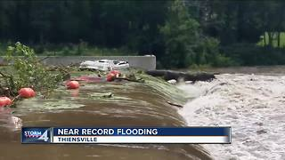 Milwaukee River nearing historic flood levels - Video