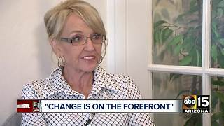 Former Gov. Jan Brewer reacts to Flake's resignation - Video