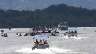 Several Fatalities Reported After Boat Carrying Tourists Sinks in Colombia - Video