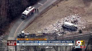 Train carrying GOP lawmakers hits truck - Video
