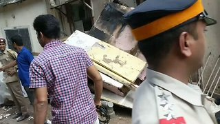 Dozens Trapped After Collapse of Residential Building in Mumbai - Video