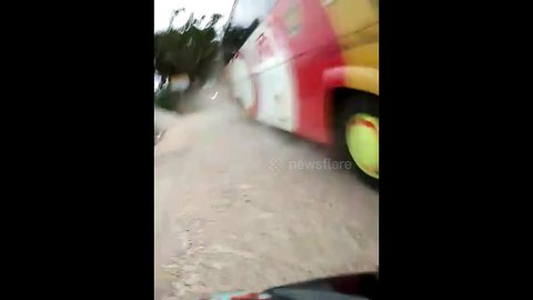 Bus driver overtakes in wrong lane during Eid traffic chaos in Indonesia