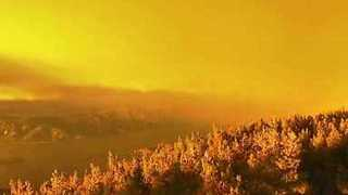 Mendocino Complex Fire Causes Golden Sunset Effect in California - Video