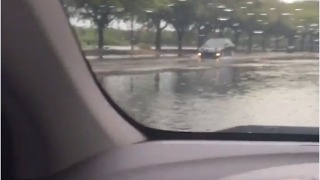 Sawgrass Mills Mall Closed Due to Flooding in Florida - Video