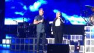 Rascal Flatts Gary Levox' shares the stage with his daughter | Rare Country - Video