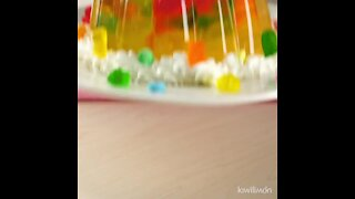 Carbonated Soft Drink Gelatin with Gummy Bears