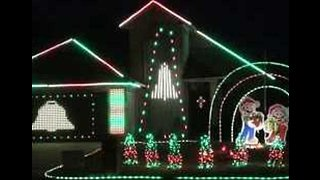 Super Light Show Brings Mario Brothers to Life - Video