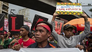 Protesters Gather In The Philippines On Martial Law Anniversary - Video