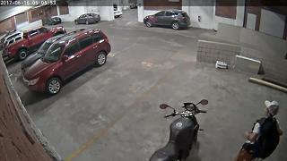 Attempted motorcycle theft - Video